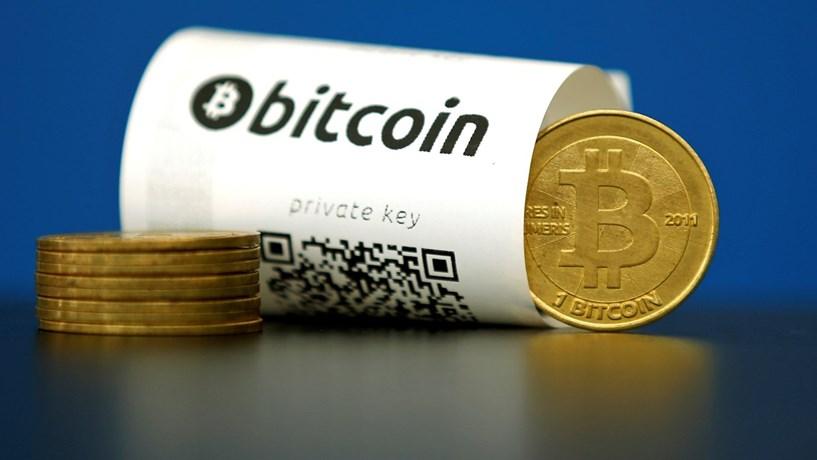 Moeda virtual bitcoin bate novo recorde: US$ 18 mil