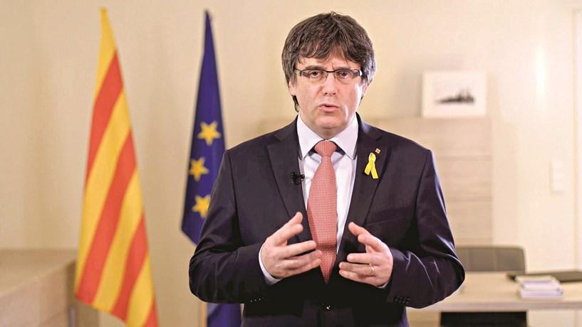 Procuradoria alemã deverá decidir sobre extradição de Puigdemont na terça-feira