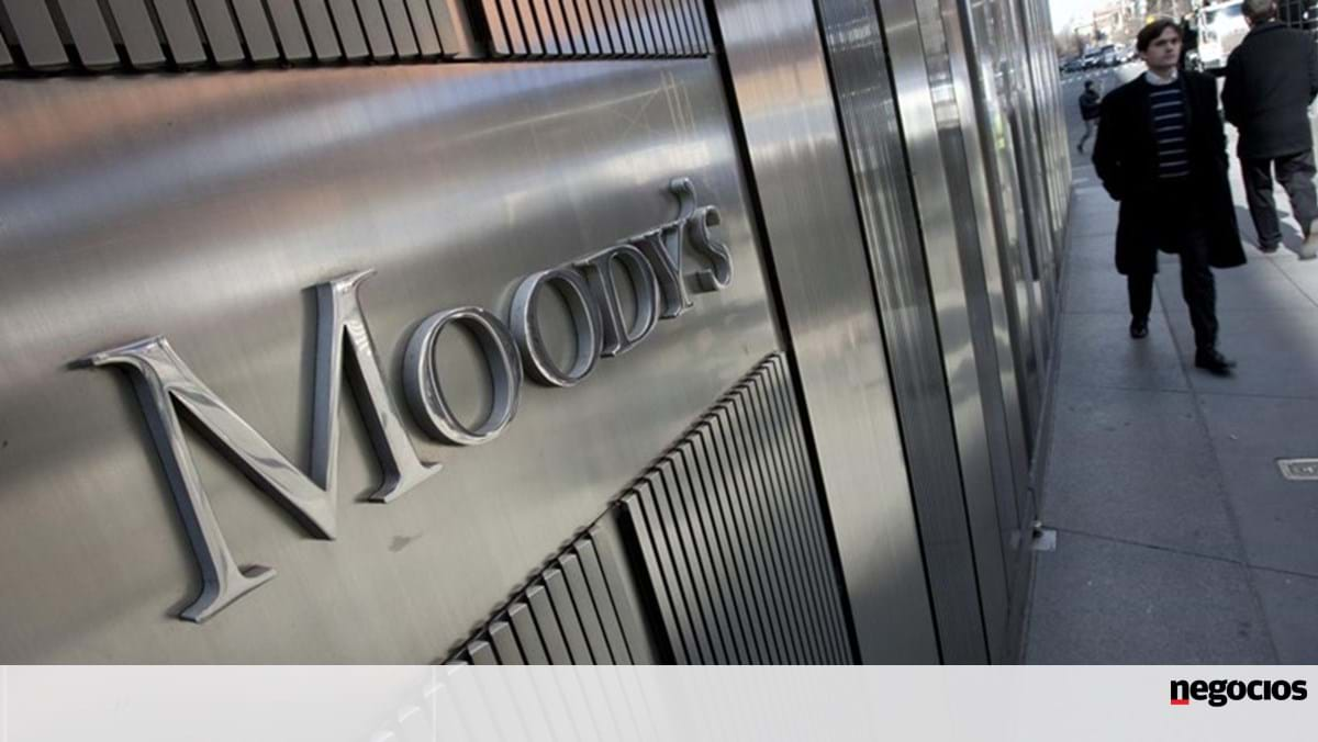 Moody's sees Portugal's debt falling even in more unfavorable scenarios