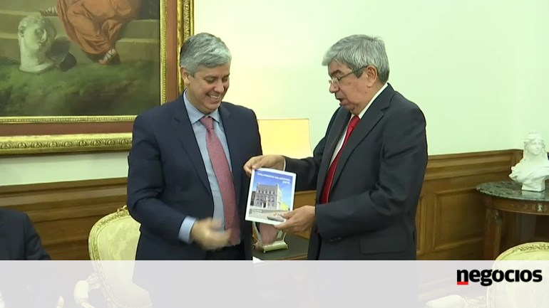 8d10905d12 Governo diz que carga fiscal desce ligeiramente em 2019 - Orçamento do  Estado - Jornal de Negócios